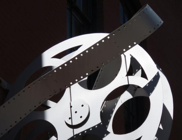 "Manažerské shrnutí studie ""Limiting the unlimited: curation in Czech film distribution in the digital era"""