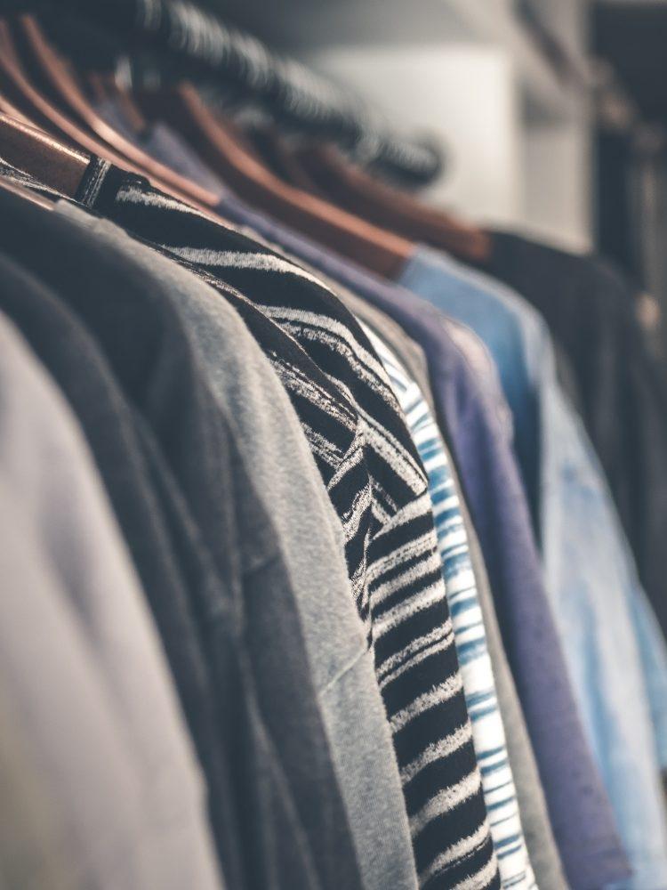 """Sbírka oblečení """"CEMS Clothes Donation"""""""
